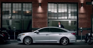 A screencapture of the Hyundai Sonata car commercial that featured Paul Rudd's voice over